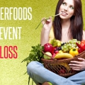 12 super-aliments pour prévenir la perte de cheveux