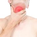 17 remèdes maison pour se débarrasser des maux de gorge