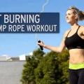 Saut à la corde - une séance d'entraînement Easy Home Cardio pour perdre du poids