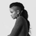 10 célébrités qui sont dans le besoin d'un relooking cheveux