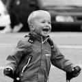 & # 034-rire est le mécanisme & # 034- la plus élégante adaptation.