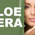 10 Avantages de jus d'aloe vera / gel pour la peau, les cheveux et la santé