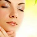 12 merveilleux avantages d'huile d'arbre à thé pour peau et les cheveux