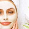 3 masques faciaux faits maison efficaces pour rajeunir la peau sèche