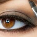 9 conseils de beauté fabuleux sur la façon d'obtenir des sourcils parfaits