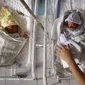 L'amour d'une mère amène bébé mort à la vie [vidéo]