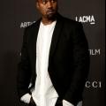 Adidas Yeezy 350 boost: kanye west vu portant yeezies- noir devrait sortir bientôt?