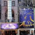 Intrigue et fonte de spinoff 'Aladdin': l'adaptation en direct de l'histoire de retour de génie auront droit «prequel genies'- expliquera comment souhaitent mandant a obtenu dans la lampe