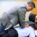 Les maux de dos dans le bureau? Essayer debout toutes les quelques minutes, selon une étude