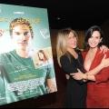 Courteney Cox, la réunion des «amis de Jennifer Aniston est arrivé au première de 'juste avant i GO-' de cougar town 'marques de film de l'actrice de« débuts de réalisateur!