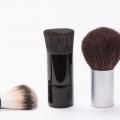 Les bactéries se cachent dans pinceaux de maquillage peuvent causer de l'acné