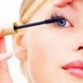 Combien de temps devez-vous conserver votre maquillage? 7 conseils sur le maquillage dates d'expiration