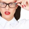 Comment appliquer le maquillage des yeux pour les porteurs de lunettes (17 maquillage trucs et astuces)