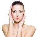 Comment faire pour obtenir une peau éclatante naturellement à la maison