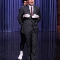 Jimmy Fallon Will Ferrell, Kevin Hart, et a attiré lipsync la bataille de Barrymore vous enverra pleurant du rire comme ils effectuent de Idina Menzel «laisser aller» et «le rugissement de Katy Perry