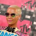 Kanye claque ouest Amber Rose pour appeler Kim Kardashian a 'incendies whore'- artiste hip-hop de retour, affirme le père de Khloé Kardashian est en fait OJ Simpson!