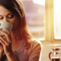 Erreurs du matin qui ralentissent le métabolisme