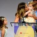 Les célébrations de la Fête des Mères: femme conçoit après 8 ans- se félicite de quadruplés, deux paires de jumeaux par FIV