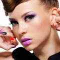 Quelle est la couleur de vernis à ongles peut parler de votre personnage?