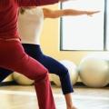 Yoga et la combinaison de la méthode Pilates est la pratique interdépendants idéal