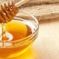 10 façons étonnantes à utiliser le miel Accueil Remèdes
