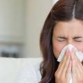 10 efficaces remèdes maison pour lutter contre Éternuements