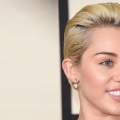 10 courts Blonde Coiffures pour vous inspirer