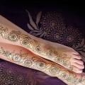 15 magnifiques dessins floraux pour mehndi jambes / pieds