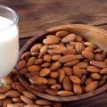 2 façons simples pour se préparer au lait d'amande