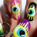 2 étranges Nail Art Designs que vous pouvez essayer aujourd'hui