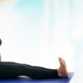 4 Poses de yoga pur étonnants et leurs avantages