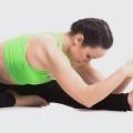 4 Yoga Poses incroyable pour guérir votre gueule de bois