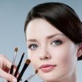4 types de visage Essential pinceaux de maquillage