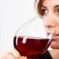 5 avantages étonnants de vin rouge pour le vieillissement Anti