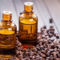 7 Amazing avantages et les utilisations de café Huile Essentielle