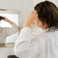 7 conseils faciles pour protéger vos cheveux de l'humidité