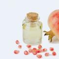 8 avantages étonnants de grenade Seed Oil pour la peau, des cheveux et santé