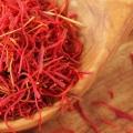 9 meilleurs avantages de safran huile pour la peau, des cheveux et santé