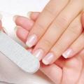 DIY: comment prendre soin de vos ongles pendant l'été
