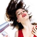 Habitudes qui cause vos pointes de cheveux se termine - comment éviter les pointes fourchues