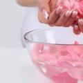 Comment Rose eau peut aider à traiter l'acné