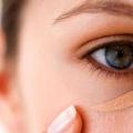 Comment appliquer le maquillage sur les cernes? Couvrant les cernes avec le maquillage