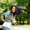 Comment prendre soin des cheveux secs en été