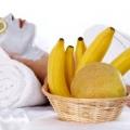 Haut les avantages de beauté de la banane et les utilisations de la banane pour les soins de la peau et de soins capillaires