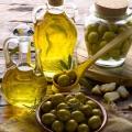 Top bienfaits de l'huile d'olive pour les soins de la peau, soins de santé et soins des cheveux