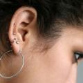 Top perçage des oreilles, après des conseils de soins
