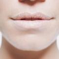 Hiver conseils de soins des lèvres pour traiter les lèvres sèches et gercées
