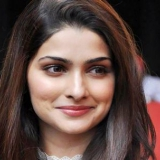 10 Photos De Prachi Desai sans maquillage