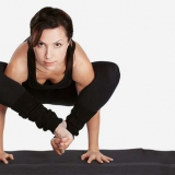 Bhujapidasana / épaule de compression Pose - comment faire et quels…