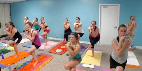10 Avantages de yoga chaud que vous devez savoir